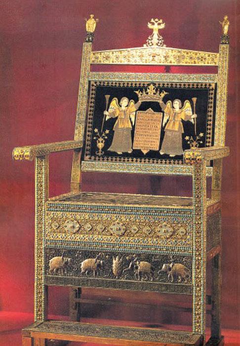 Шикарный трон как символ дружбы русских и армян.Сейчас на этот шедевр можно посмотреть в Оружейной палате. /Фото:barev.today