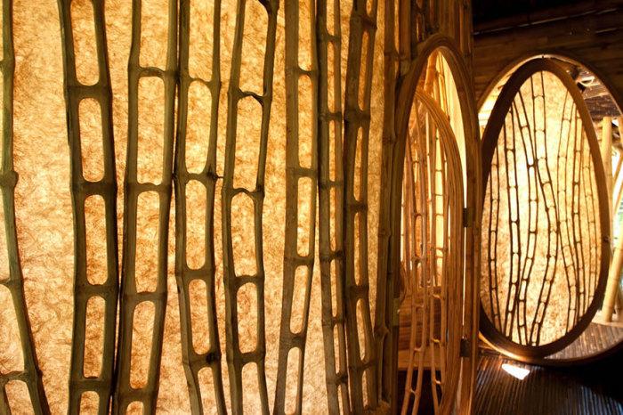 Бамбуковые шедевры на Бали. /Фото: boredpanda.com
