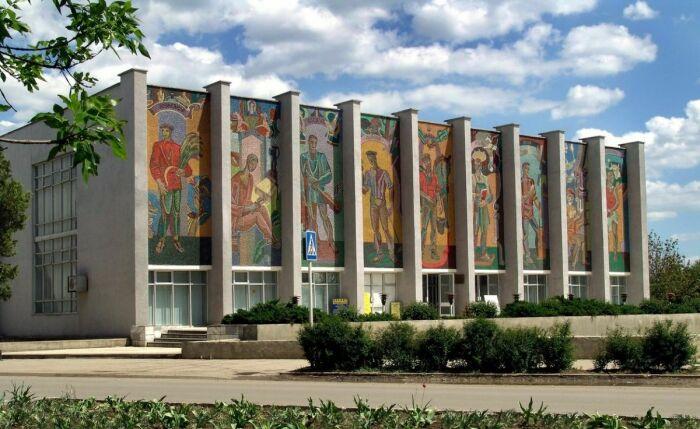 Мозаика с изображением сыновей. /Фото: kanschool9trud.ru