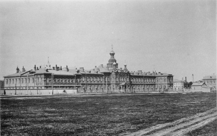 Большница, построенная Бахрушиными в Сокольниках. 1888 год. /Фото:pastvu.com