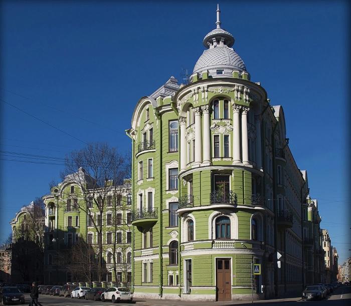 Это самый известный из сорока доходных домов купцов Колобовых. /Фото:rasfokus.ru