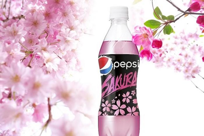 Напиток интересен не только внешне: он имеет привкус сакуры. /Фото:japaninsides.com
