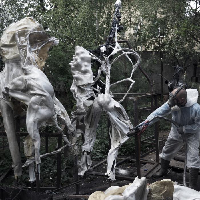 Скульптуры Дмитрий создавал из полимеров. /park-gorkogo.com