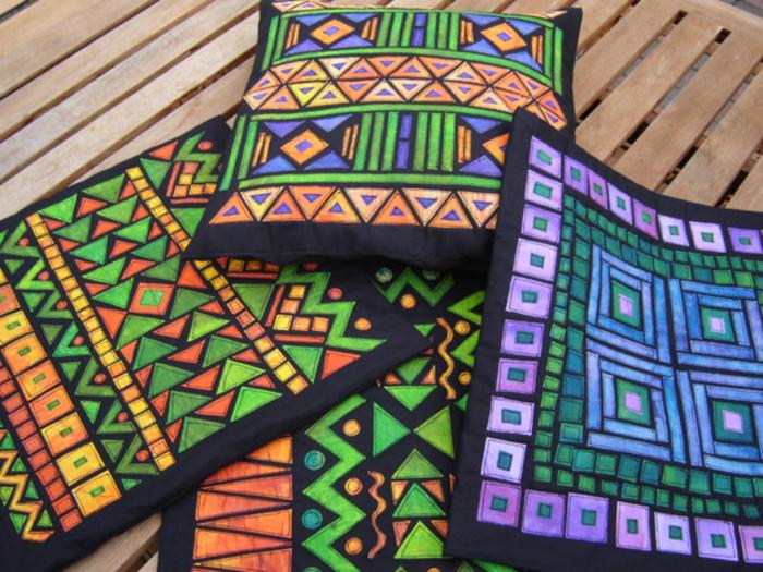 Коврики с этническим орнаментом выглядят уютно. /Фото: odomah.org