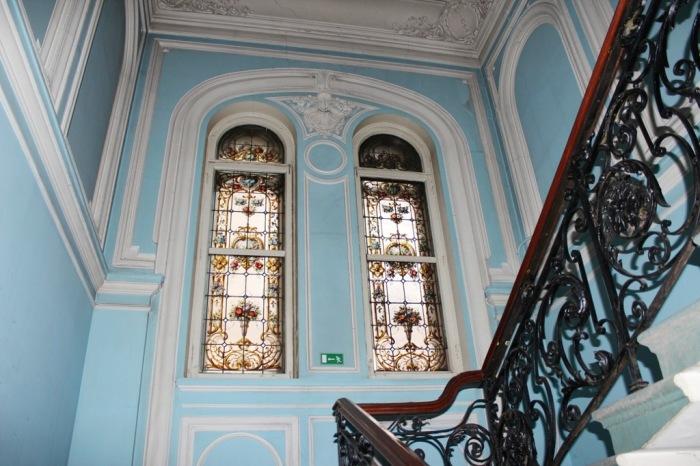 После революции дом национализировали. Интерьеры удалось частично сохранить. /Фото:nrfmir.ru