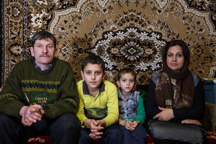 Юрий с женой и детьми. /Фото:Алексей Николаев
