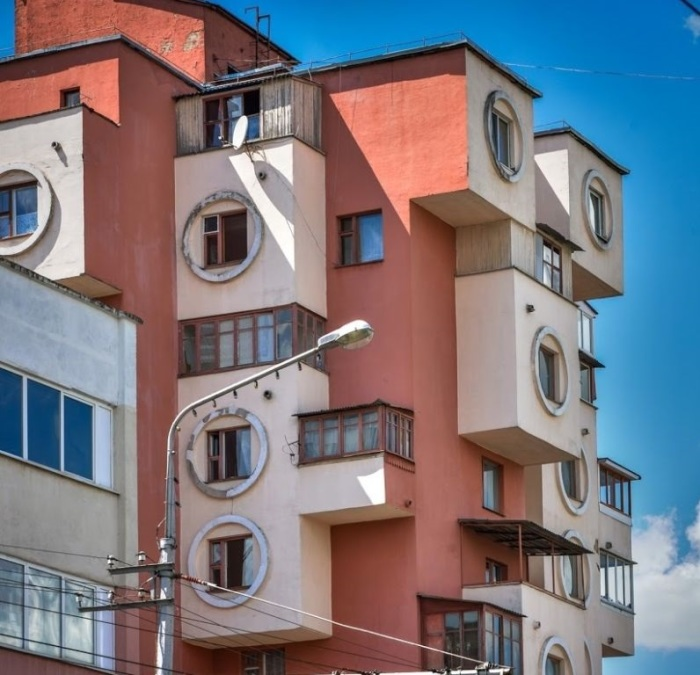 Оригинальный дом требует более интенсивного отопления. /Фото:gulaytour.ru