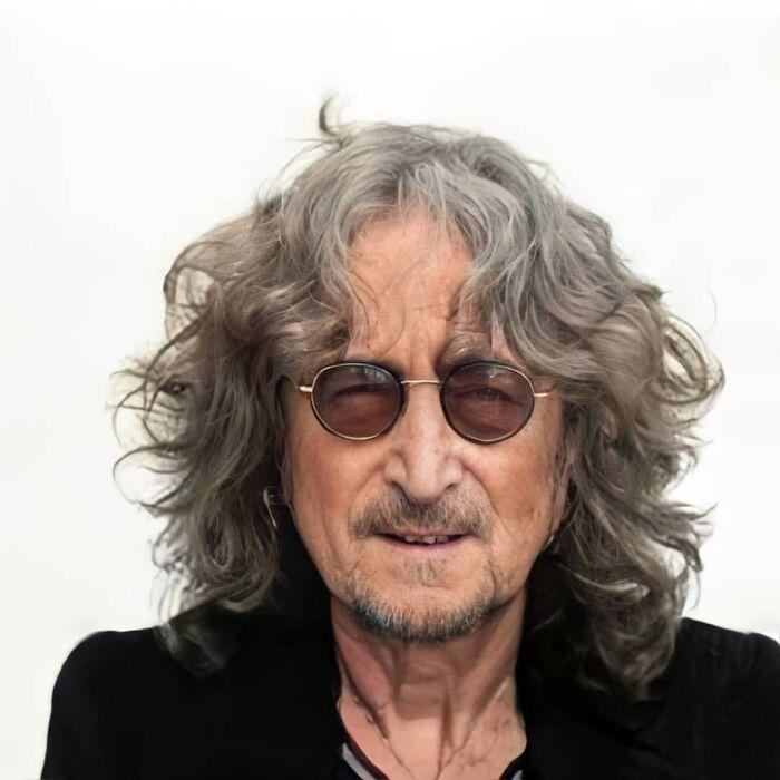 81-летний Джон Леннон.
