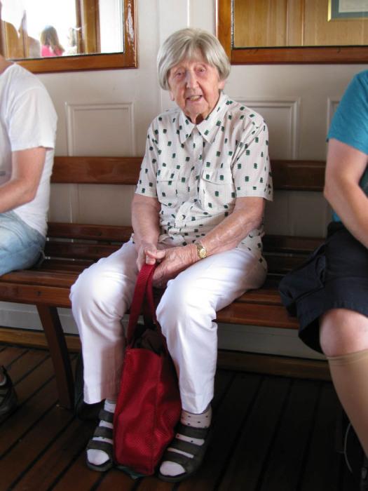 Бабушка-блогер одевается всегда очень стильно.
