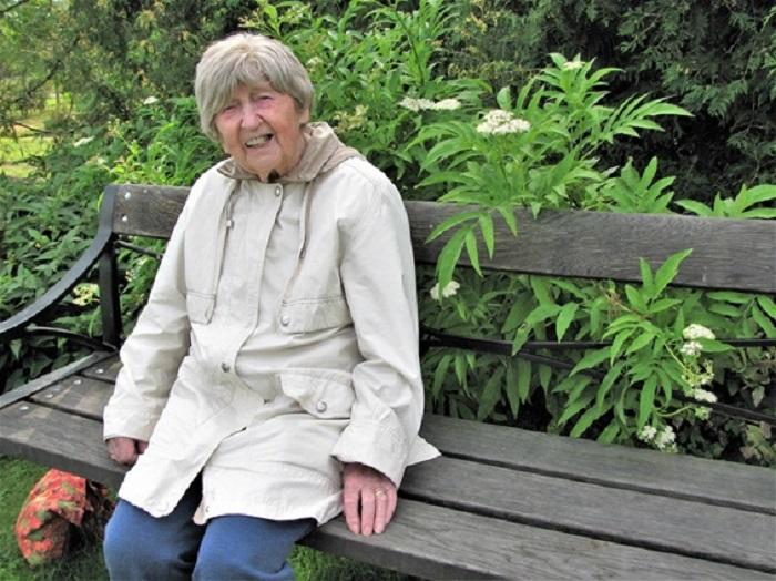 Накануне дня рождения 108-летняя блогер была настроена меланхолично и философски.