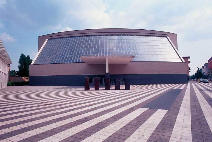 Театр Арчимбольди в Милане, один из важнейших проектов архитектора/Фото: in-lombardia.it/