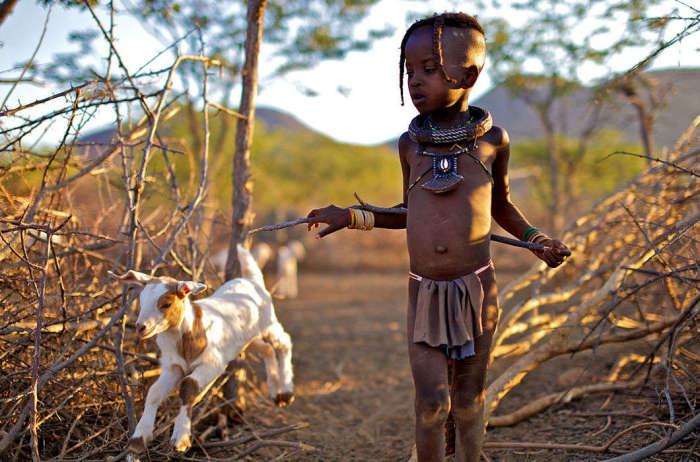 Малыш племени химба. /Фото:Алегра Элли