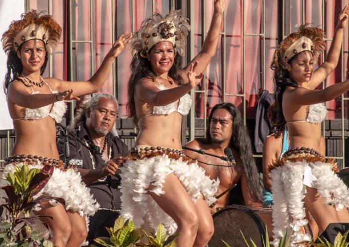 Ритуальный танец рапануйцев (Остров Пасхи). /Фото:thevintagenews.com