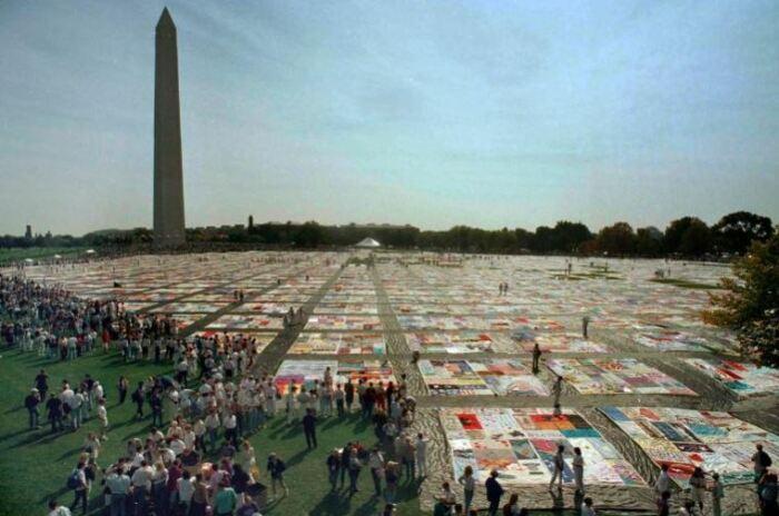 Гигантское одеяло в честь тех, кто умер от СПИДа/Фото:Shayna Brennan, AP