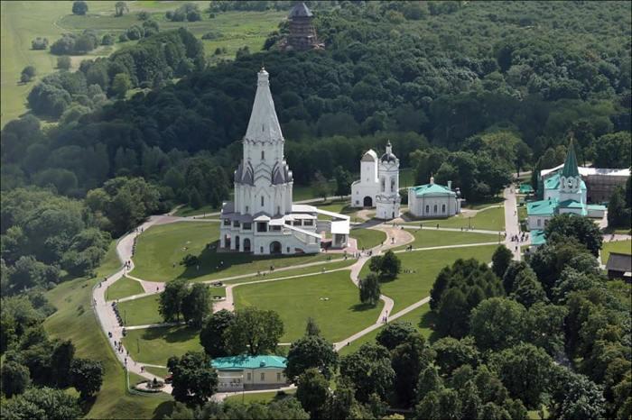 В одном из главных московских музеев-парков есть машина времени? /tour-classica.ru