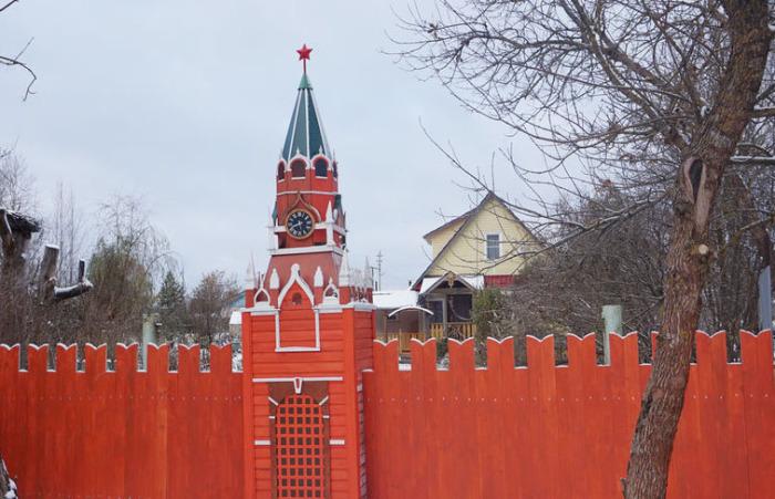 Кремль в поселке Сазоново. /Фото:страница Л.Н. Рагутского в соцсети
