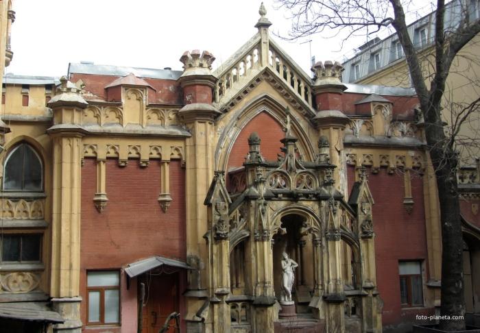 Фасад во внутреннем дворе. /Фото:liveinternet.ru