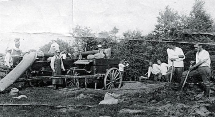 В конце XIX века в крупных городах начали проводить канализацию.