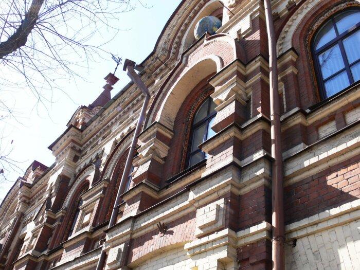 Фрагмент фасада. /Фото:1baikal.ru