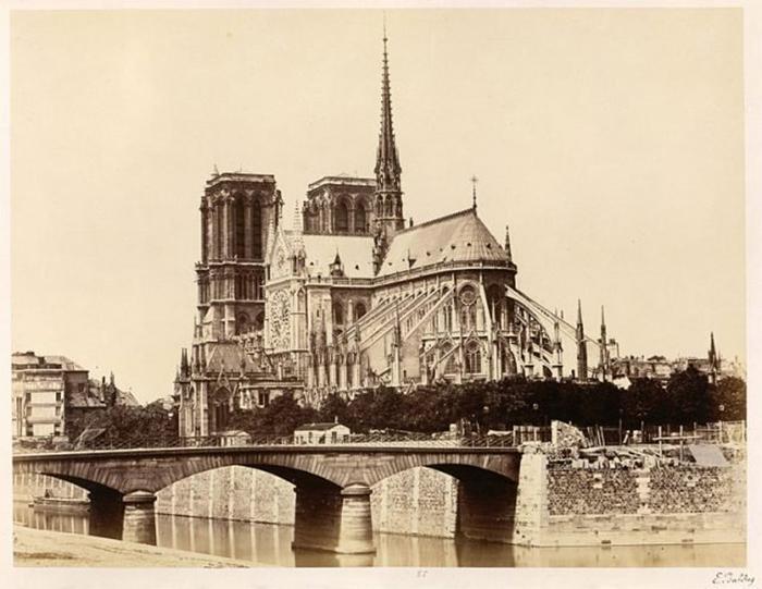 Нотр-Дам в 1860 году.