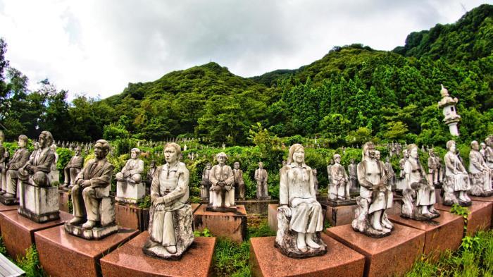 Второй лес - это группа друзей Китая, сделанных в разные годы второй половины XX и начала XXI века. /Фото:kanasys.com