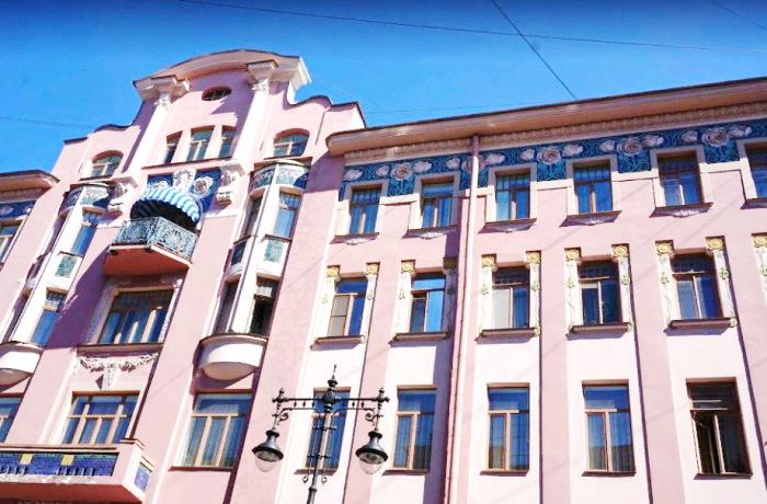 Дом Бадаева в нашем веке. /Фото: peterburg.guide