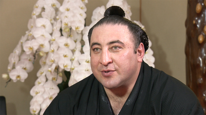 Сумоист-грузин Точиношин - кумир многих любимец японцев. / Фото:nhk.or.jp.
