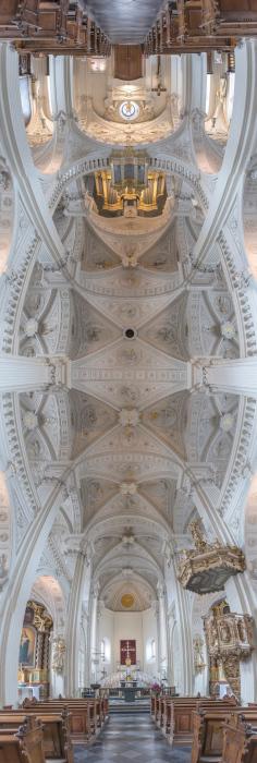 Храм Святого Андреаса в Дюссельдорфе.