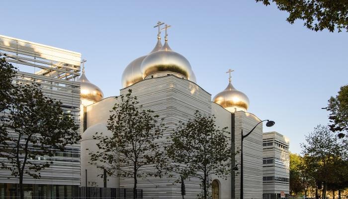 По всему миру можно встретить весьма неординарные православные храмы./Фото:paris-life.info