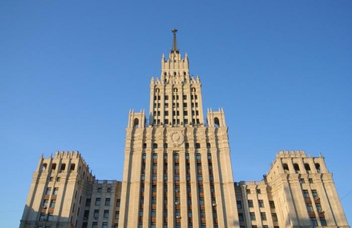 Верхняя часть здания. /Фото:moscow-photos.com, Рэм Сапожников