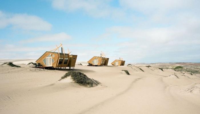 Отель в пустыне. /Фото:thecoolector.com