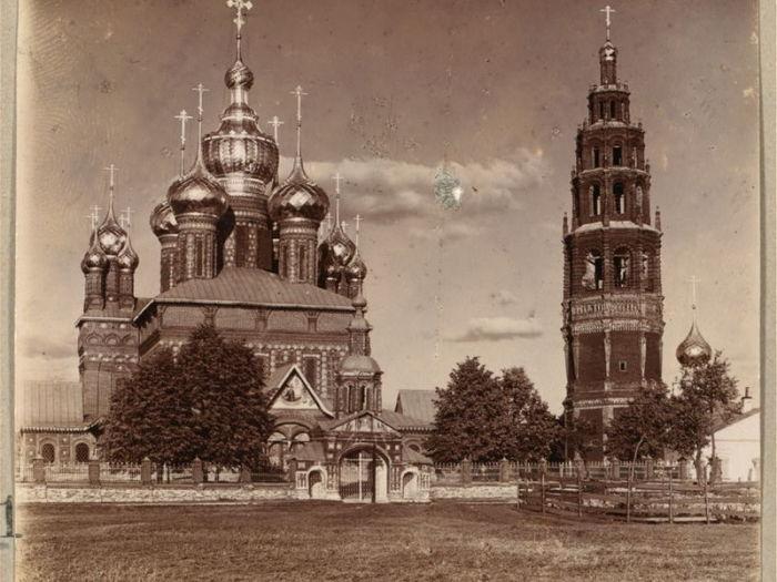 Храм в Толчкове. Ретро-фотография.