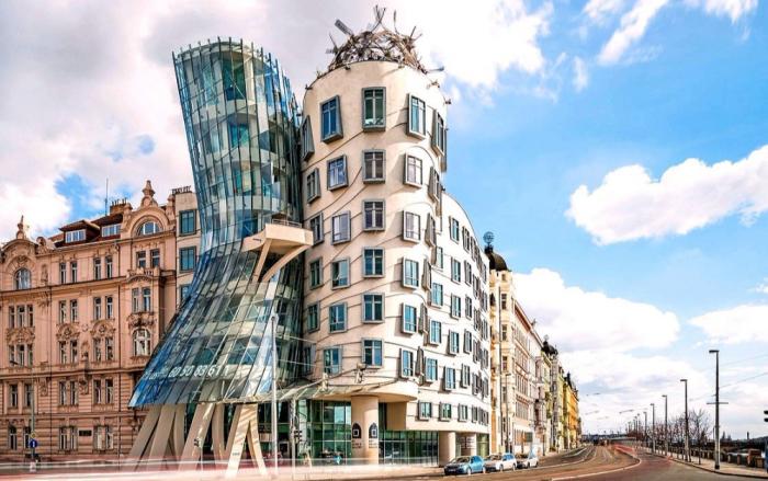 Такое ощущение, что дом танцует. /Фото:planetofhotels.com