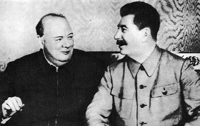 Беседа Сталина и Черчилля, 1942 год. Через несколько месяцев Time признает советского вождя Человеком года. /Фото:istorya.ru