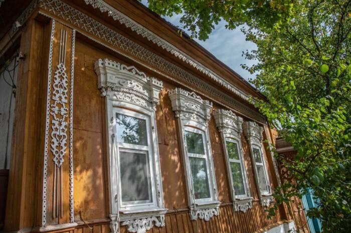 Ещё один дом с уникальной резьбой. /Фото:mybryansk.ru