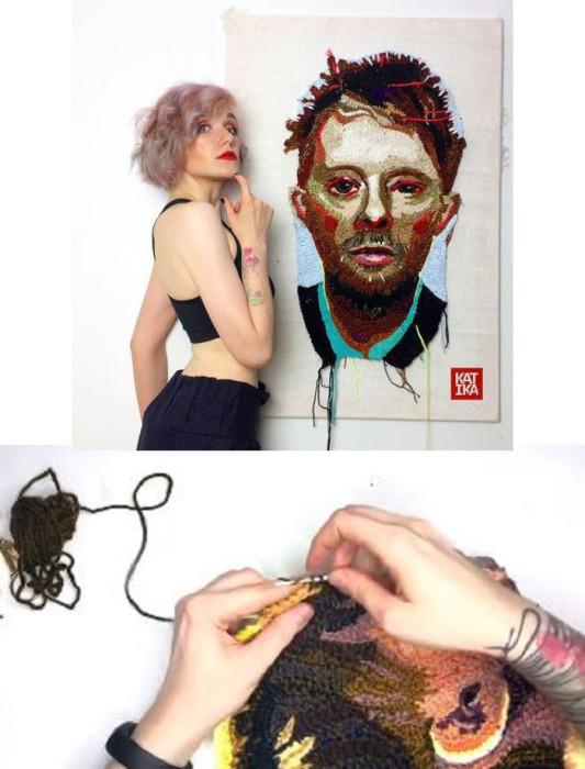 Художница на фоне портрета своего любимого рок-музыканта Тома Йорка, который связала не для заказчика, а для себя.