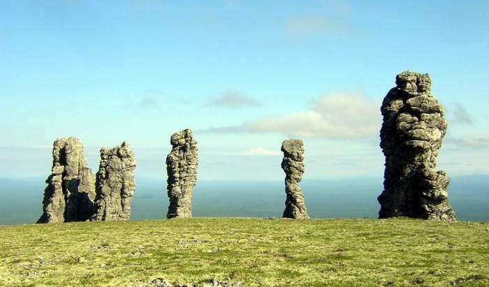 Мансийские болваны – каменные природные столбы, которые тоже издревле служили предметом поклонения./Фото:vavav.ru