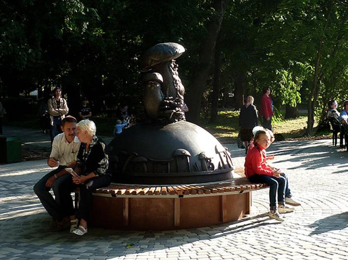 Грибы с глазами - рязанская достопримечательность и одновременно место отдыха/Фото: Kp.ru