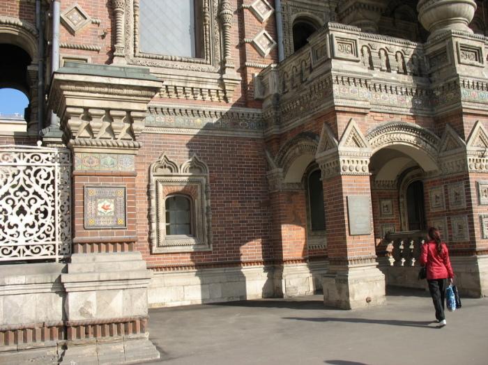 Дом-красавец на Якиманке вызывает и восхищение, и трепет. /foto-planeta.com