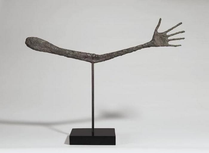 «Рука» - скульптура, созданная вскоре после войны