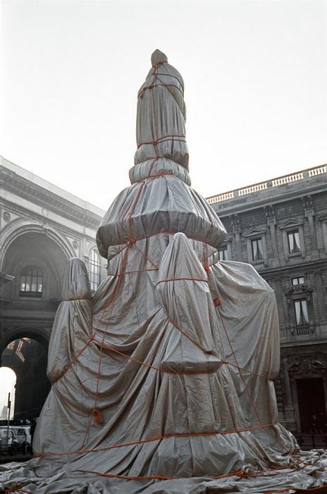 Обернутый памятник Леонардо да Винчи, 1970 г.