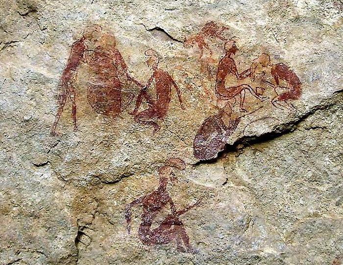 Наскальная живопись в пещере Тадрарт-Акакус в Африке