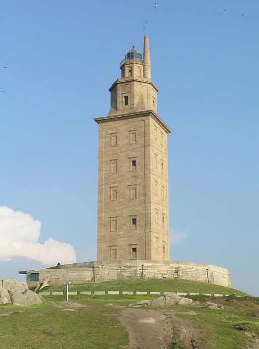 Маяк Ла-Корунья - самый древний из действующих