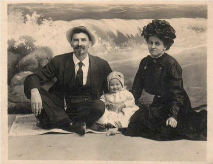 Гас и Мод с дочерью Лоттевой