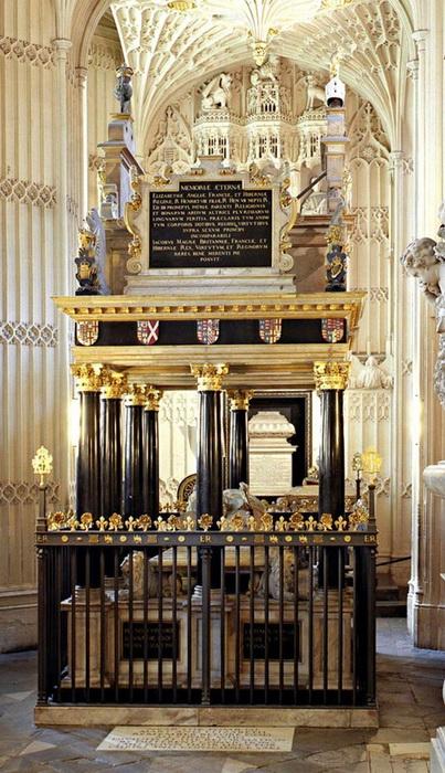 Надгробия Марии и Елизаветы в Вестминстерском аббатстве