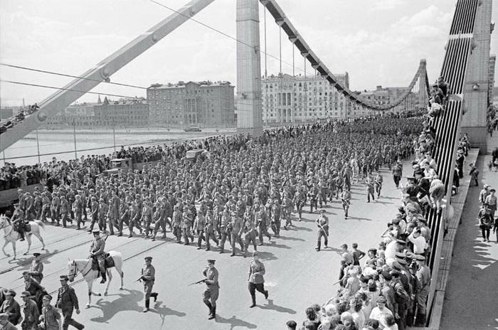 Парад немцев в Москве 17 июля 1944 года