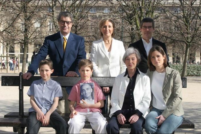 Семья Оливье де Фюнеса с братом Патриком и матерью Жанной