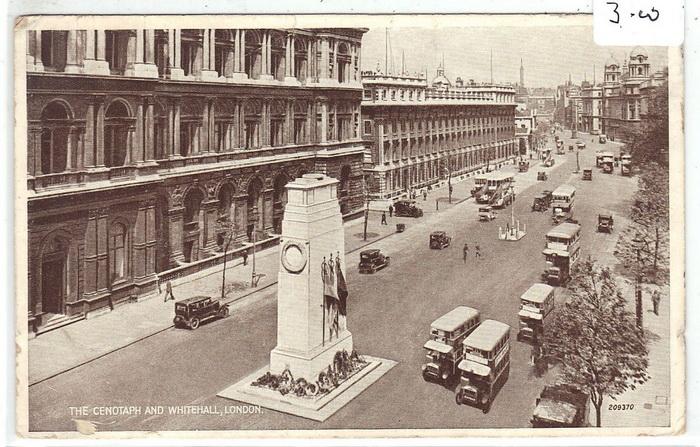 Кенотаф, посвященный погибшим в Первой мировой войне английским солдатам, появился в 1919 году