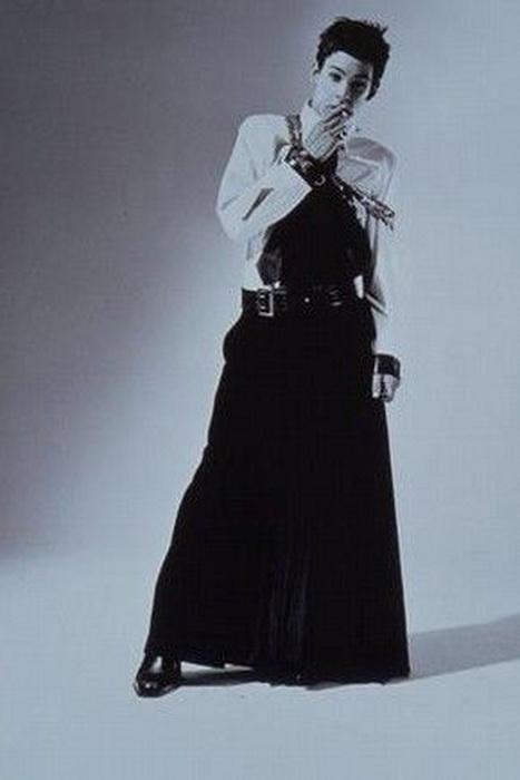 В 1985 году по подиуму шли мужчины в платьях