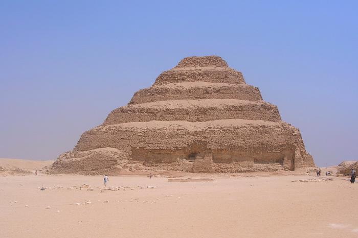 Пирамида Джосера - еще одно загадочное древнеегипетское сооружение
